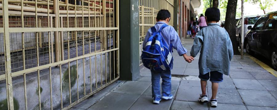 """ACIJ y Familias por la Escuela Pública lanzan la campaña """"Ni un chico sin escuela"""""""