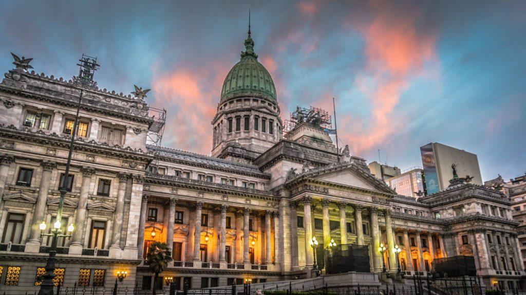 Reclamo de organizaciones por la reforma por decreto de la ley de Acceso a la Información Pública