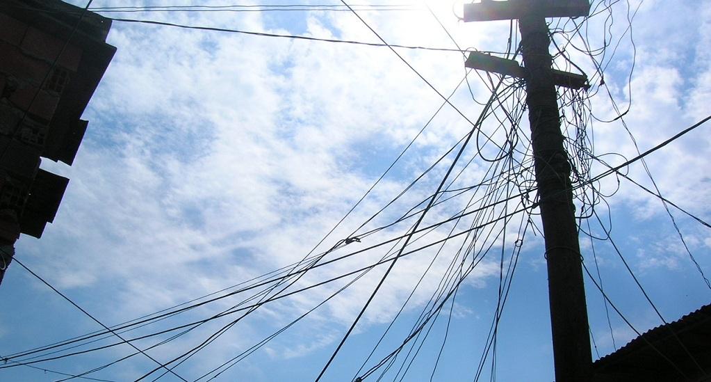 Ordenan al gobierno porteño resolver el riesgo eléctrico en la villa 21/24 en 48 horas